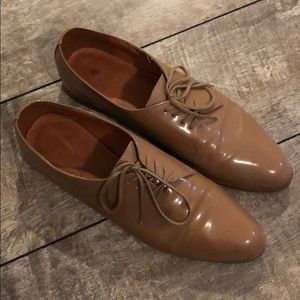 Madewell Taupe Oxfords- patent leather